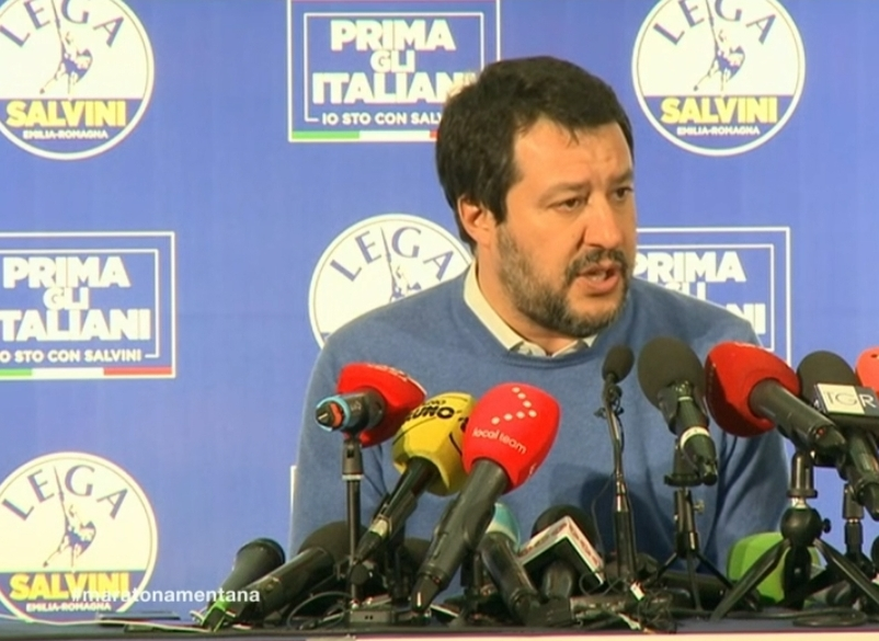 Salvini battuto, piange il citofono
