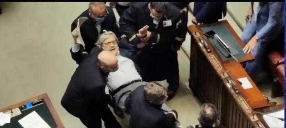Espulso dal Parlamento, calpestata la democrazia?